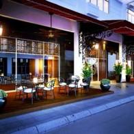 Khách sạn boutique đầu tiên bên vịnh biển đẹp nhất VN