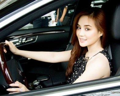 Ca sỹ Vy Oanh gắn bó với xe hơn cả nhà