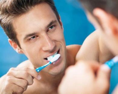 Lười đánh răng dễ mắc bệnh gì?