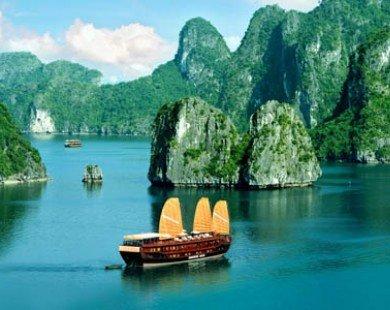 Từ 1/1/2014, phí thăm quan vịnh Hạ Long tăng gần 100%