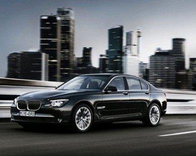 Hỗ trợ 100% phí trước bạ cho BMW X1 sDrive18i và 750Li