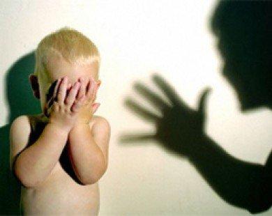 Vì sao nhiều cha mẹ Việt hay đánh con?