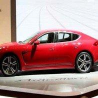 Porsche Panamera mới có giá 4,5 tỷ đồng