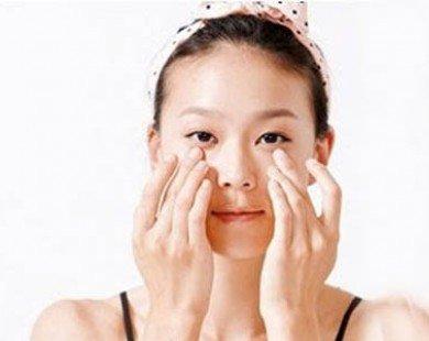 Cách massage giảm mỏi mắt vì ngồi máy tính