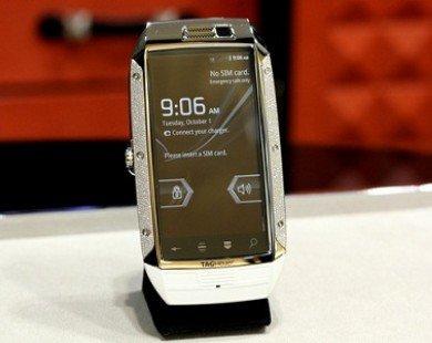 Smartphone chạy Android nạm 1.007 viên kim cương