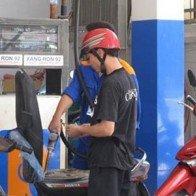 Hà Nội: Vẫn bán xăng ở các cây xăng bị dừng hoạt động