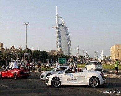 """Ngắm dàn xe """"khủng"""" dạo quanh Dubai"""