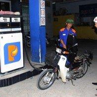 Bộ Tài chính đề nghị giữ nguyên giá bán lẻ xăng dầu