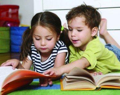 5 cách giúp con yêu thích đọc sách