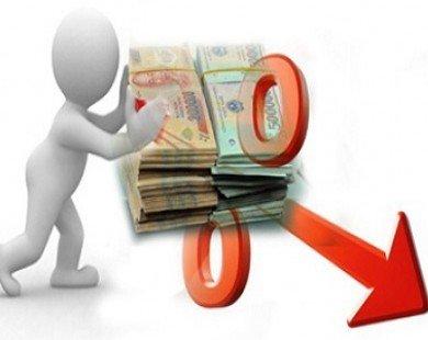 Chuyên gia nói gì về việc NHNN hạ lãi suất hàng loạt?