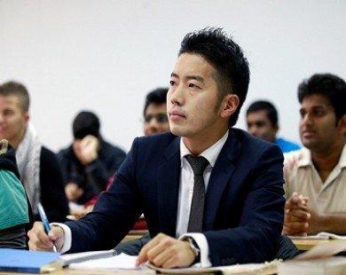 Sinh viên Nhật dạy tuyệt chiêu cho môi giới chứng khoán Việt