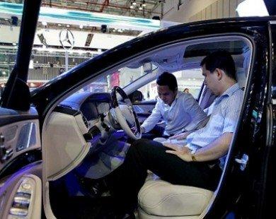 Việt Nam nhập ồ ạt xe hạng sang, dân có dễ mua?