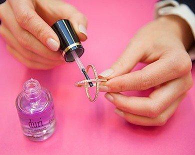 Những ứng dụng khác của sơn móng tay có thể bạn chưa biết