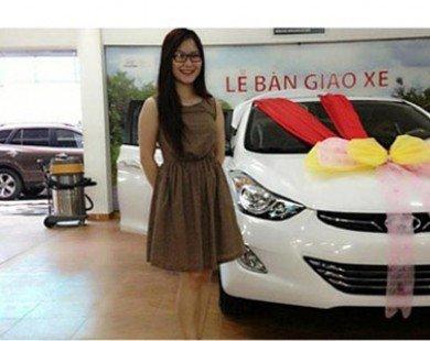 Sao Việt giản dị lái xế hộp bình dân