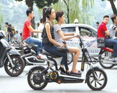 Xử lí xe máy điện không đăng kí: Người dân vẫn còn ngơ ngác