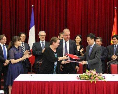 Việt Nam-Pháp ký kết hợp đồng hỗ trợ phát triển các dự án PPP