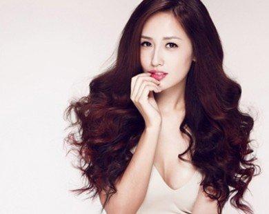 Sau 9 năm đăng quang Hoa hậu, Mai Phương Thúy vẫn vô cùng gợi cảm