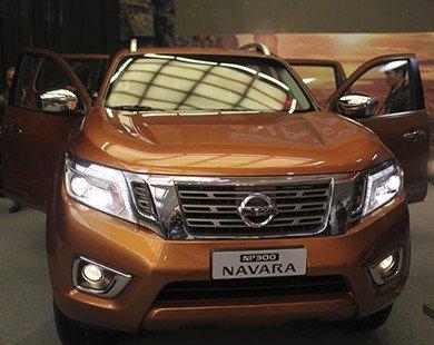Nissan NP300 Navara chính thức ra mắt, giá từ 645 triệu đồng
