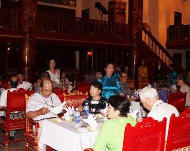 Hoàng cung mở dạ tiệc đón gần 1.000 khách du lịch đến Huế