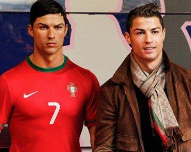 Ronaldo cử stylish riêng chăm sóc tóc cho tượng
