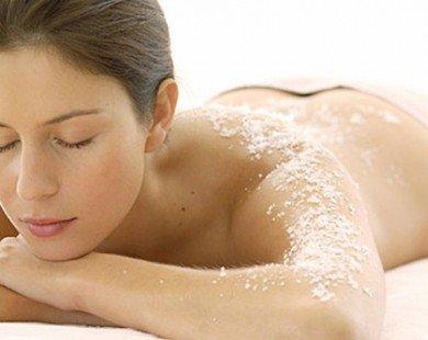 Trắng da, trị mụn đơn giản với muối