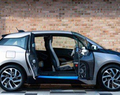 Apple muốn mượn xe hơi điện của BMW để 'học hỏi'