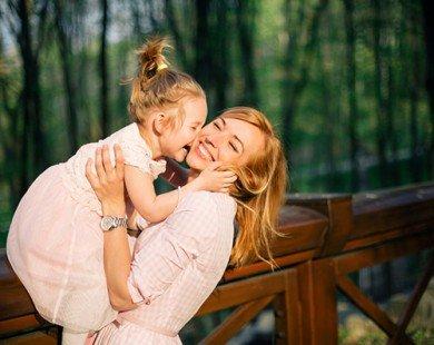 10 bài học cuộc sống mẹ cần dạy con gái
