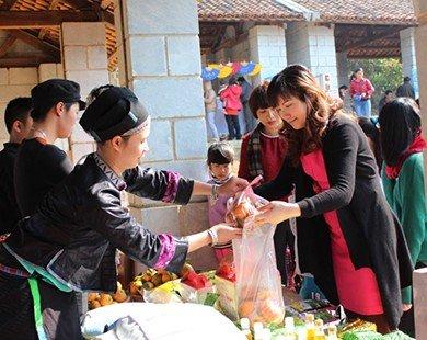 """Tái hiện """"Chợ quê - nét văn hóa của dân tộc Việt Nam"""""""