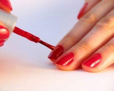 Phát hiện hóa chất độc hại gây tăng cân trong sơn móng tay