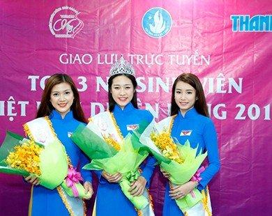 """Tân Hoa khôi """"Nữ sinh viên Việt Nam duyên dáng 2015"""" giao lưu cùng độc giả báo Thanh Niên"""