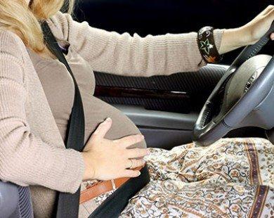 Những lưu ý quan trọng cho bà bầu khi lái xe
