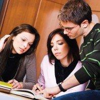 Cho mang bài về nhà, sinh viên Harvard cũng không gian lận