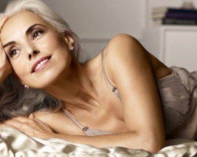 Người mẫu bikini 60 tuổi trẻ như 30 tuổi nhờ dầu giá