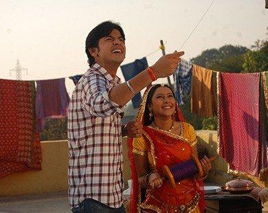 Shashank Vyas bỏ vợ vì học vấn thấp