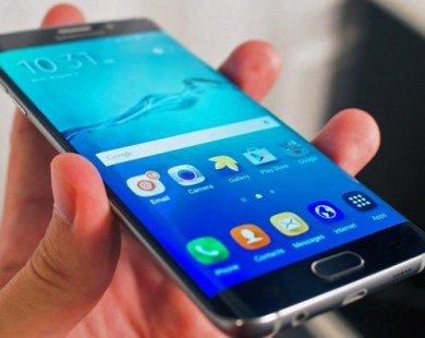 Galaxy S7 edge dễ chạm cạnh bên màn hình khi cầm