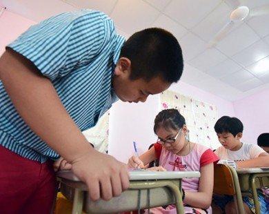 Tranh luận về cho trẻ học tiếng Anh sớm