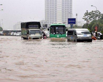 Hà Nội: Bỏ tiền tỷ sống biệt thự, chung cư cao cấp nhưng vẫn bì bõm chịu cảnh ngập lụt