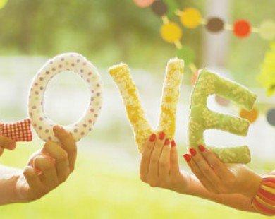 """7 điểm khác biệt """"khó đỡ"""" giữa mới yêu và yêu lâu"""