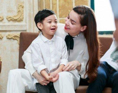 """Không riêng Subeo nhà Hà Hồ, nhiều con sao Việt cũng nói ngoại ngữ """"như gió"""""""