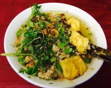 Hai quán bánh đúc nóng dân dã ngon nức tiếng ở Hà Nội