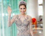 Hoa hậu Phạm Hương diện đầm xuyên thấu, thân hình đẹp như thần Vệ nữ