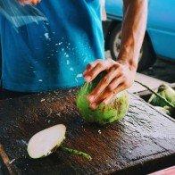 Bài học kinh doanh từ anh bán dừa