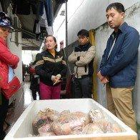 Phát hiện hơn 1,2 tấn thực phẩm bẩn, bốc mùi... trữ bán Tết