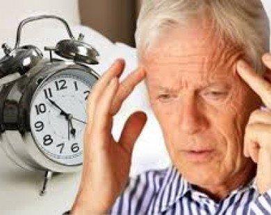 Ngủ kém có thể ảnh hưởng đến sức khỏe não bộ khi có tuổi