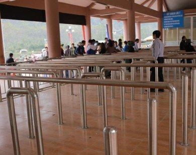 Hiếm thấy: Chùa Hương vắng khách sau giờ khai hội