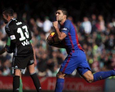 Suarez bỏ xa Ronaldo trên đường đua Giày Vàng châu Âu