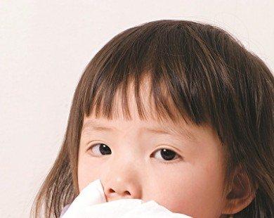 Trời trở lạnh, trẻ dễ viêm đường hô hấp trên