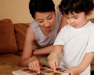 Con chậm nói hãy xem lại cách dạy của cha mẹ