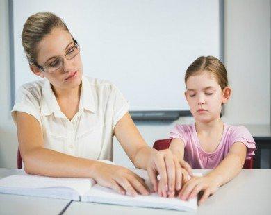 Những nguyên nhân thường gặp gây mù ở trẻ em và người lớn