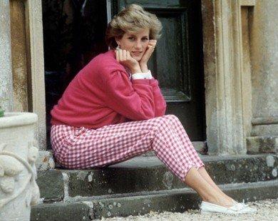 Bất ngờ lý do công nương Diana không bao giờ đeo găng tay
